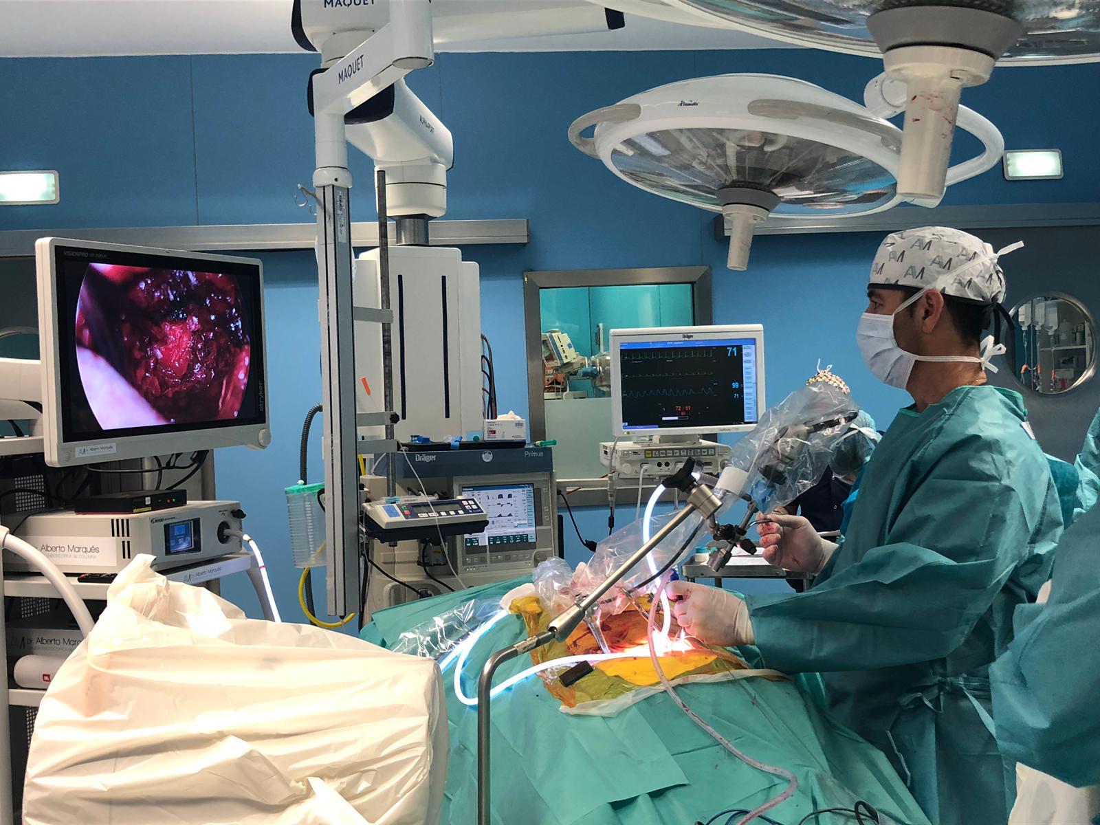 cirugía endoscópica en fusiones vertebrales